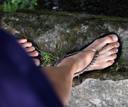 Nanahu_barefoot_huarache_sandale_cerne_zakladni_seda_padakovka