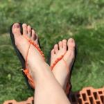 Sada na výrobu černých barefoot sandálů