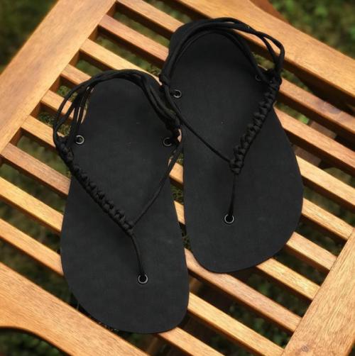 DIY sada barefoot sandale cerne